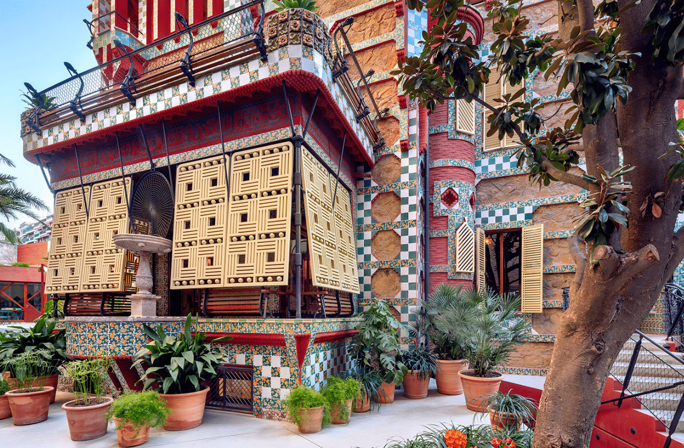 Casa Vicens Gaudí Gaudí S First House In Barcelona